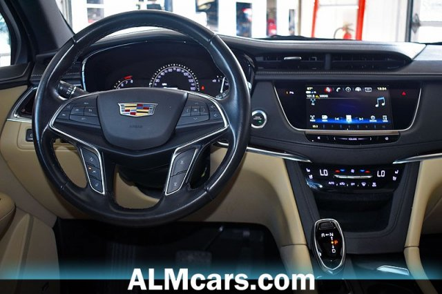 Pre-Owned 2018 Cadillac XT5 Premium Luxury FWD