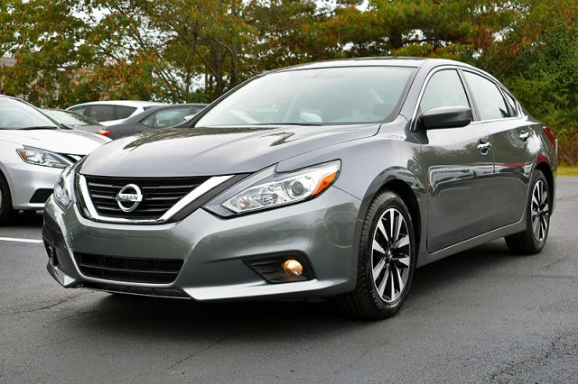 Nissan Altima 2.5 S >> Pre Owned 2018 Nissan Altima 2 5 Sv Fwd 4dr Car