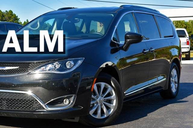 Chrysler Pacifica Van >> Pre Owned 2019 Chrysler Pacifica Touring L Fwd Mini Van Passenger