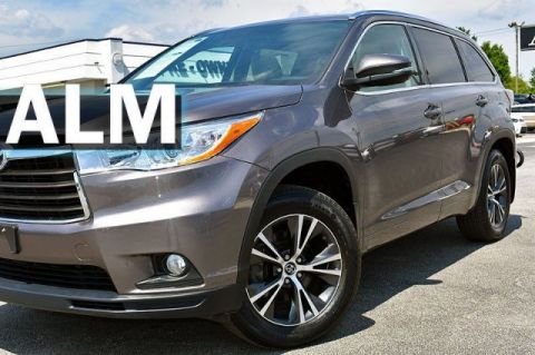 Pre-Owned 2016 Toyota Highlander XLE With Navigation & AWD